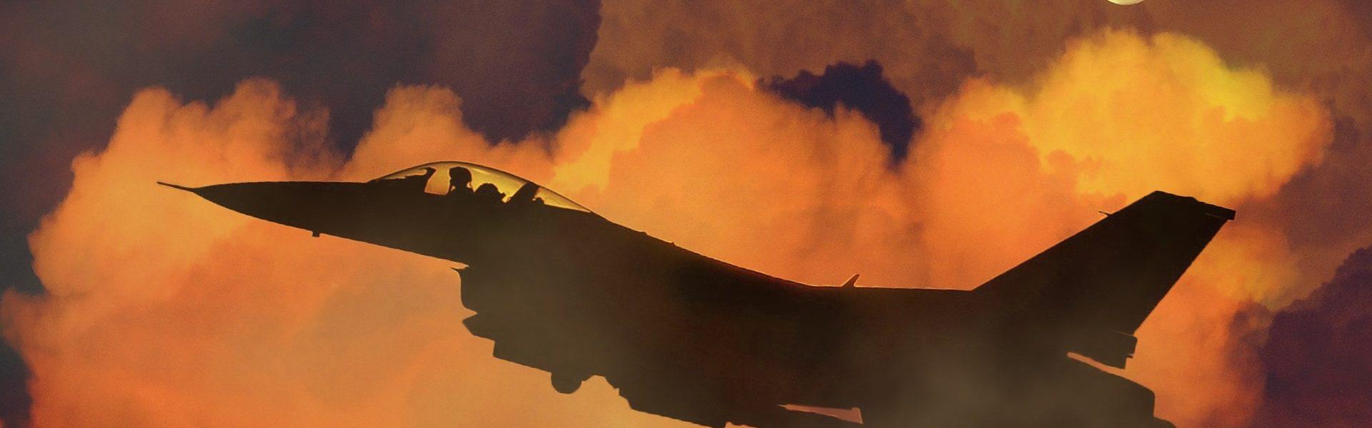 samolot unoszący się w oparach smogu