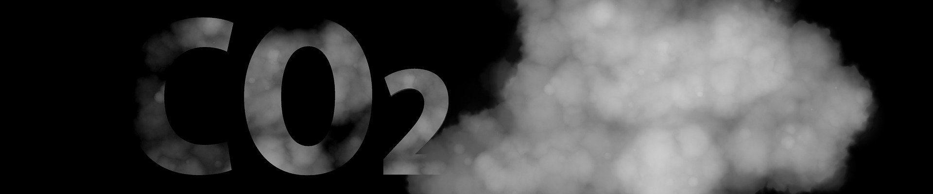 Chmura dymu wraz z napisem CO2